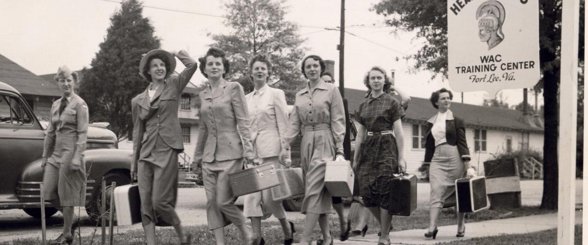 New recruits Arriving at the WAC TC – b108 – V-a-23